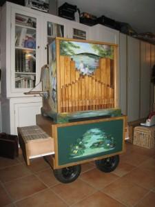 L'orgue avec sa nouvelle charette