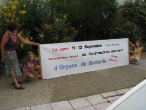 Banderole publicitaire au rond point de La Jarne